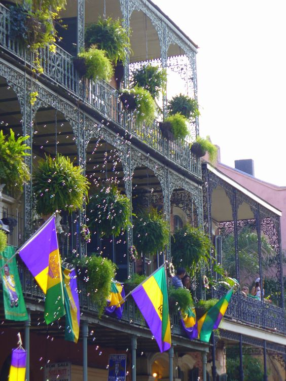 Mardi Gras Recipes That Will Make You Feel Like You're In NOLA